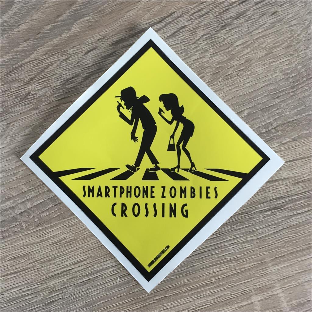 Sticker SMARTPHONE ZOMBIES CROSSING