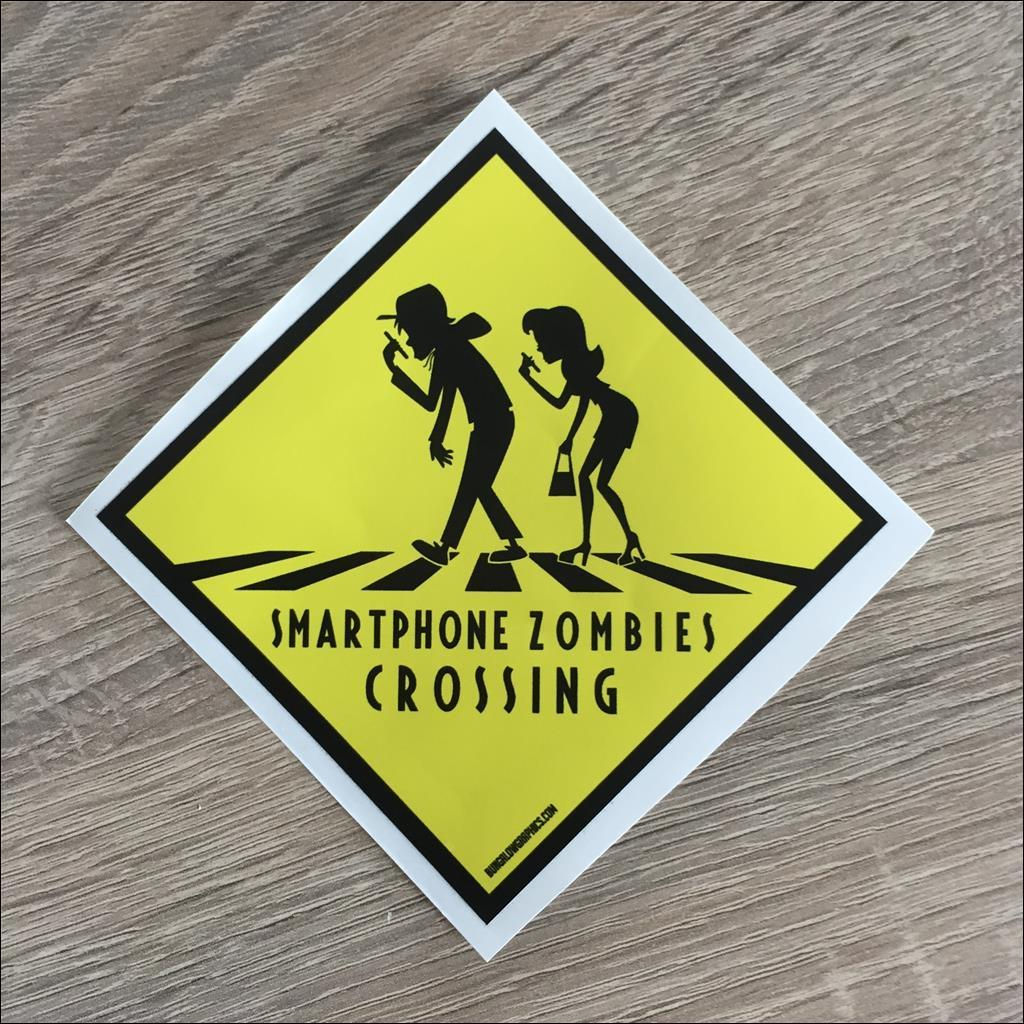 Sticker SMARTPHONE ZOMBIES CROSSING